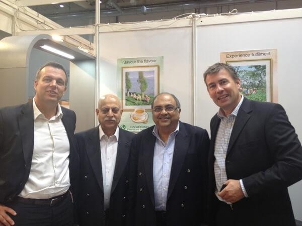 Kai, Ajay Kichlu, Ashok Lohia (beide von Chamong, India) und Thorsten